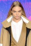 Düz ve uzun saçlara özel doğal Cara Delevigne saç modelleri