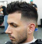 Erkekler İçin Mohawk Saç Modeli