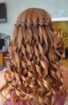 Dalgalı Şelale Yapısında Saç Modelleri