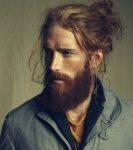 Erkekler İçin Uzun Saçlı Sakallı Model