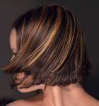 Karamel Işıltılara Sahip Kısa Saç Modelleri
