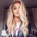 Rita Ora Platinyum Sarı Saç Rengi Trend Modelleri