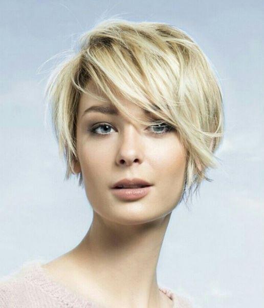 Kısa Saç Modeli ve Ona Uygun Makyaj