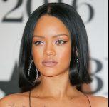Rihanna Ünlüler Bob Saç Modeli