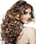 Evde Yapabileceğiniz Kıvırcık Saç Modelleri