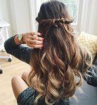 Evde Yapılabilecek Güzel ve Basit Saç Modeli