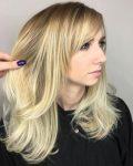 Perçemli Sarışın Balyaj Saç Modeli