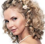 Permalı Orta Gelin Saçı Modelleri