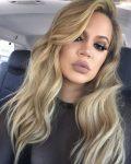 2017 de Khloe Kardashianın Seçimi Dumanlı Sarıdan Yana