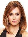 Düz Saçlar için Orta Bob Saç Modeli