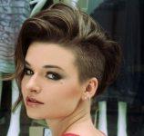 Farklı Tarz Arayan Kadınlara Göre Asimetrik Saç Modelleri