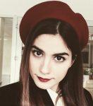 Zeynep Çamcı Kırmızı Şapkalı